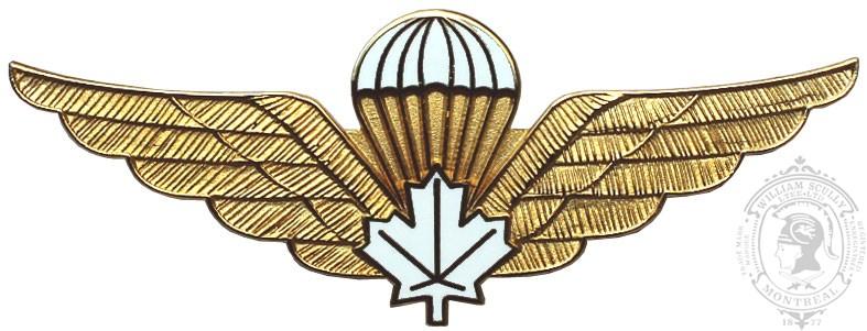 Aile de parachutiste en métal avec feuille d'érable blanc